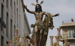 El Señor de la Resurrección el Domingo de Pascua de la Semana Santa de Sevilla. Foto: Juan Flores
